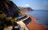 Train Approaching Teignmouth.jpg