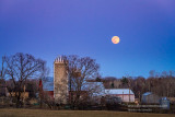 Full moon, barn