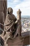 Sainte Barbe, dans la partie haute de la tour.