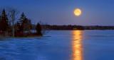 Sap Moon Over Otter Lake P1180976-82