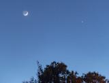 A SUPER Crescent Moon and Venus setting