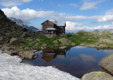 The nicely sited Bremer Hutte, one of our favourites