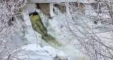 Iced Dam P1050429-31