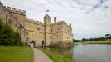 IMG_8412.CR3 Old Castle or Gloriette (medieval tower) and Moat - Leeds Castle - © A Santillo 2019