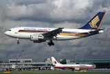 SINGAPORE AIRLINES AIRBUS A310 200 SIN RF 1412 30.jpg