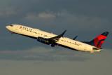 DELTA BOEING 737 800 JFK RF 5K5A4513.jpg