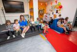 Kinderzwerfboekenstation in Floris Radewijnszschool