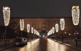 Ljusprydd gata leder till kungliga slottet, Stockholm