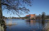 En bit av Svaneholmssjön med Svaneholms slott, Skurup, Skåne