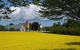 Tosterups slott med tillhörande kyrka. Slottet känt sedan 1300, nuvarande slott byggt ungefär 1500