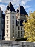 Voyage masqué autour d'un château