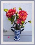 Flowers in vases 7-27020 (1) CC S2 Frame w.jpg