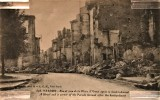 Rue et coin de la Place d'Armes apres le bombardement