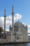 Istanbul Ortakoy Mosque oct 2019 7353.jpg