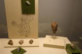 Urfa museum Use of fist axe sept 2019 4701.jpg