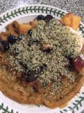 06 Pumpkin waffles with yogurt, fruit and hemp seeds i3819