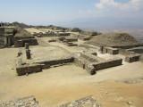 Templo de Dos Columnas and beyond