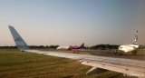 avioane-aeroport-otopeni.JPG