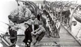 1950 - FRED HARDER, HOISTING THE SEA BOAT..jpg