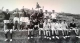 1958-1959 - JOHN POTTER, 201 BUNTINGS CLASS AND 392 SPARKERS CLASS, SPORTS DAY..jpg