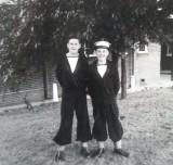 1958-1959 - JOHN POTTER,, 201, BUNTINGS CLASS,  FROBISHER, 36 MESS, MYSELF AND BERT NORTHEY..jpg