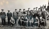 1960 - MICHAEL GREEN, BLAKE, 8 MESS, FIELD GUN TEAM. Lt WAVISH DO AND POGI THOMSON