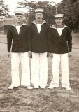 1962 - MIKE DISKETT,MAST MANNING TEAM, I AM IN THE MIDDLE 2.jpg