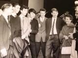 1964, 24TH AUGUST - GARY RICHARDSON, DERBY STN., MERRIMEN, HILLEN, POCOCK, CREASY, MYSELF, LT. OVERINGTON RM RECRUITING OFFICER.