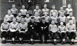 1959, 17TH MARCH - JOHN CHALLIS, EXMOUTH, 46 MESS, 160 CLASS, INSTR. PO JACK CORNWALL, I AM MIDDLE ROW FAR LEFT.