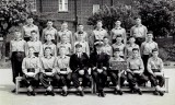 1963, JUNE - PHIL TOPSY TURNER, BENBOW, 27 MESS, 150 CLASS, INSTR. CPO BYWATERS, DO LT. CDR. SPRAGG. B.