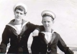 1971, 7TH JUNE - ALAN WILLIS, 25 RECR., 251 CLASS, 35 MESS, MYSELF AND JIMMY WINTER ON THE LEFT..jpg