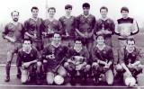 1974 - CLIFF EVANS, COLLINGWOOD FOOTBALL TEAM..jpg