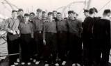 1964, SEPTEMBER - IAN MCINTOSH, 71 RECR., BLAKE, 70 CLASS, 8 MESS, ON THE BOAT PIER.jpg