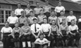 1949, JANUARY - RON WATSON, ANNEXE, INSTR. CPO FRYER, I AM SEATED AT THE FRONT, THEN HAWKE, 45 MESS, 29 CLASS, INSTR. PUSHER HIL