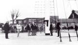 1989, 22 APRIL - DICKIE DOYLE, MAST RESTORATION, THE DEDICATION CEREMONY, DICKIE DOYLE, GEOFF HILL AND MAC BRODIE.
