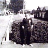 1972 - BILLY MORGAN, 31 RECR., VARIOUS PHOTOS INCLUDING BULWARK, CHAIR DISPLAY, MAST MANNING PROGRAMME, ETC. 9..jpg