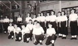 1971, 26TH FEBRUARY - ROBBIE ROBERTS, 23 RECR., LEANDER THEN ANSON AND KEPPEL, 11 CLASS, FIELD GUN CREW FOR FAMILYS DAY