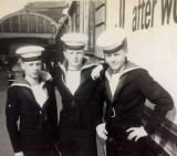 1961 - JOHN TWIGG, GRENVILLE, 120 CLASS. L TO R GEORGE BECKETT, JOHN TWIGG, UNKNOWN. WAITING FOR TRAIN BACK TO GANGES.