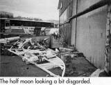 1988, JULY - DICKIE DOYLE, MAST RESTORATION, HALF MOON IN SQUARE SALE'S YARD AT BRISTOL.JPG