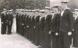 1972, FEBRUARY - STEPHEN YOUNG, 32 RECR,. BLAKE, 6 MESS, 321 CLASS, CAPTAIN ASH INSPECTING 2 PLATOON.
