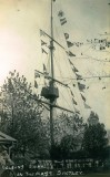 UNDATED - NELSON'S SIGNAL ON THE MAST, NOTE THE CANVAS AROUND THE FIGHTING PLATFORM.jpg