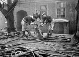 1914-1918 - RATINGS SPLICING WIRE FOR SUBMARINE NETS.jpg