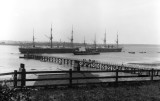 1906 - SHOTLEY PIER AND SHIPS. THIS IMAGE WAS USED FOR POST CARDS SEE LINK BELOW.
