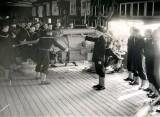 1941 - NEW ZEALANDERS RECEIVING GUNNERY INSTRUCTION.jpg