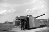 1966, 14TH NOVEMBER - CHRIS KNIGHT, 89 RECR., DUNCAN, 13 MESS, WITH 4 INCH GUN AGAIN.jpg