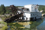 Front end of the dredge