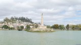 Monument aux Morts on Lake Anosy