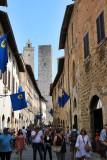 An overcrowded San Gimignano