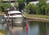 Navigant_sur_la_rivière_Richelieu.jpg