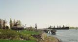 Bateaux_sur_fleuve.jpg